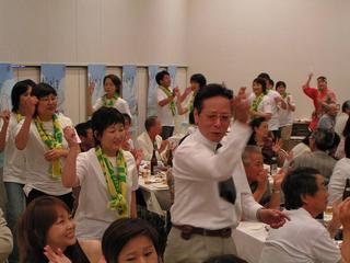 [8月20日] 因島高校同窓会2005 総会・懇親会に200人 合併前、因島への想い強く