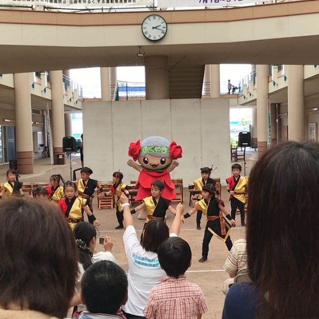 久々のイトーヨーカドー福山店。ローラちゃんとちびっ子ダンサーズが踊っていました。#ローラちゃん #イトーヨーカドー福山店