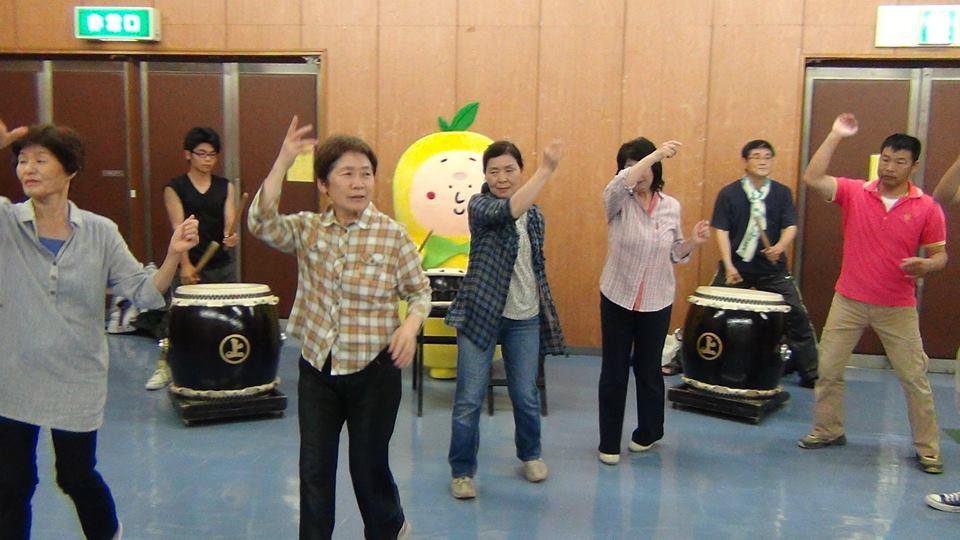 跳楽舞練習