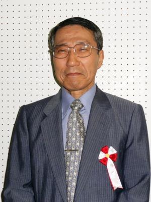因島美術展表彰式 受賞者20人が出席 功労賞 駄賀、村田両氏