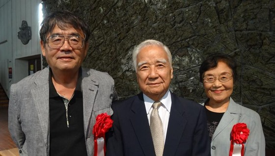 第27回因島文化功労賞 青木忠・大内恭子氏 文化活動貢献を称える