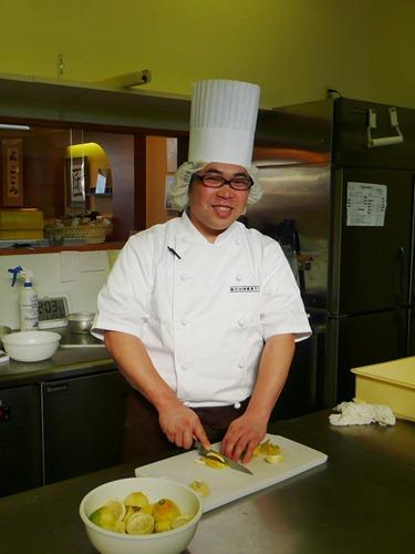 瀬戸田檸檬菓子工房「パティスリーオクモト」シェフ奥本隆三さん(28)