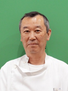 岡崎純二医師