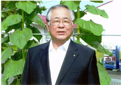 90周年記念誌を作成 因島高校同窓会会長・小江章(昭和40年卒)