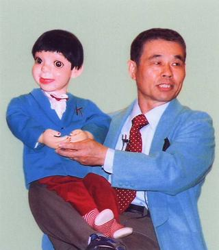 [8月 6日] 腹話術とともに35年 ロゴス腹話術研究会 佐藤国広さん(59)