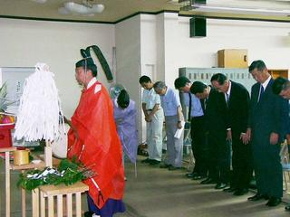 [8月20日] 衆院解散夏の陣ヒートアップ 亀井静香後援会因島事務所開き 国民新党結成で立場を鮮明に-