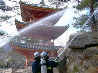 [1月29日] 文化財防火デー 瀬戸田の国宝三重塔 尾道消防が消防訓練