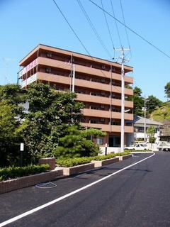 [8月19日] 高齢者優良マンション完工 田熊町きらら因島 安全・安心の生活を提供