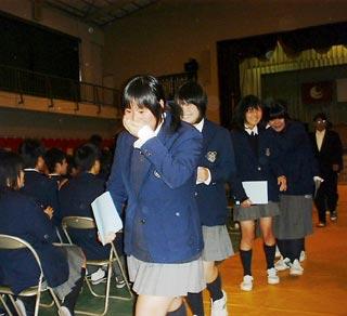 [3月 6日] 県立高校で卒業式 久しぶり「仰げば尊し」因高179人・瀬高58人