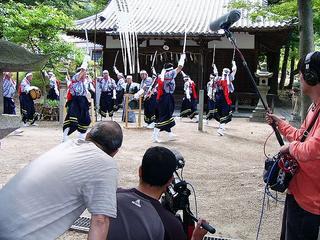 [6月11日] 椋浦町法楽踊り 日本TVが取材