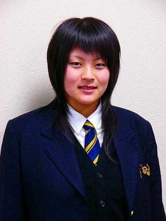 [1月29日] 交通事故にも負けず 因島高女子バレー部主将 箱崎 幸奈さん(16)