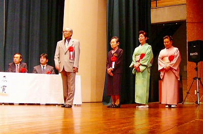[5月22日] 4人に文化功労賞 市文化協会が表彰