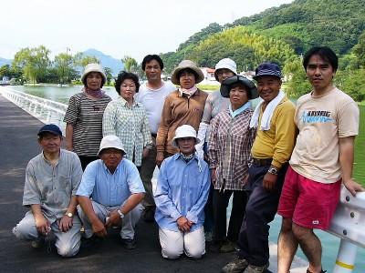 [7月17日] 睡蓮を愛でる会 外浦町の干拓池に移植 9月頃開花が楽しみ