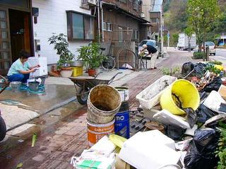 [9月 4日] 台風16号ツメあと 50年ぶりの高潮被害 床下浸水480戸