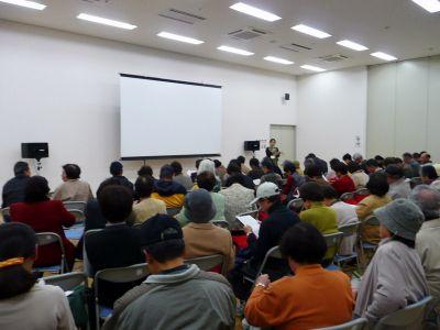 シネマ尾道出前上映会 久々の「島の映画館」笑いと涙で観客わく