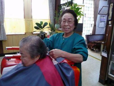 理髪に生涯をかけて 理容フクダ店主 福田喜代子さん (86)