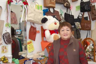 空店舗活用事業1号店チャレンジショップ 婦人用品小売店ひまわり代表小林紀代美さん(64)
