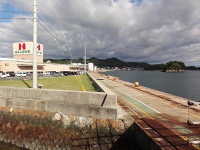 桟橋設置予定の因島モール護岸(ダイソー裏側)