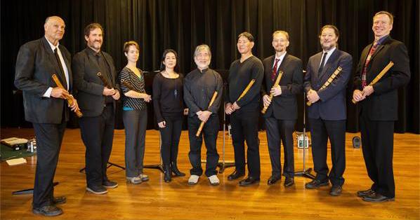 アメリカ日本音楽院尺八メンバーの演奏